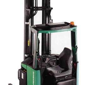 Carrello Elevatore Retrattile RB14-25N - 1400 Kg / 2400 Kg